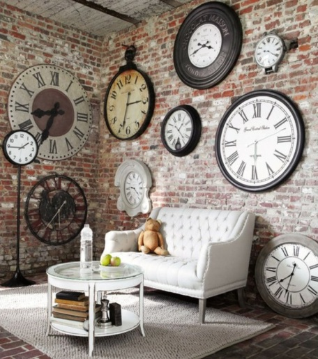 Ideas-Wall-Decor-Design-with-Big-and-Small-Clock